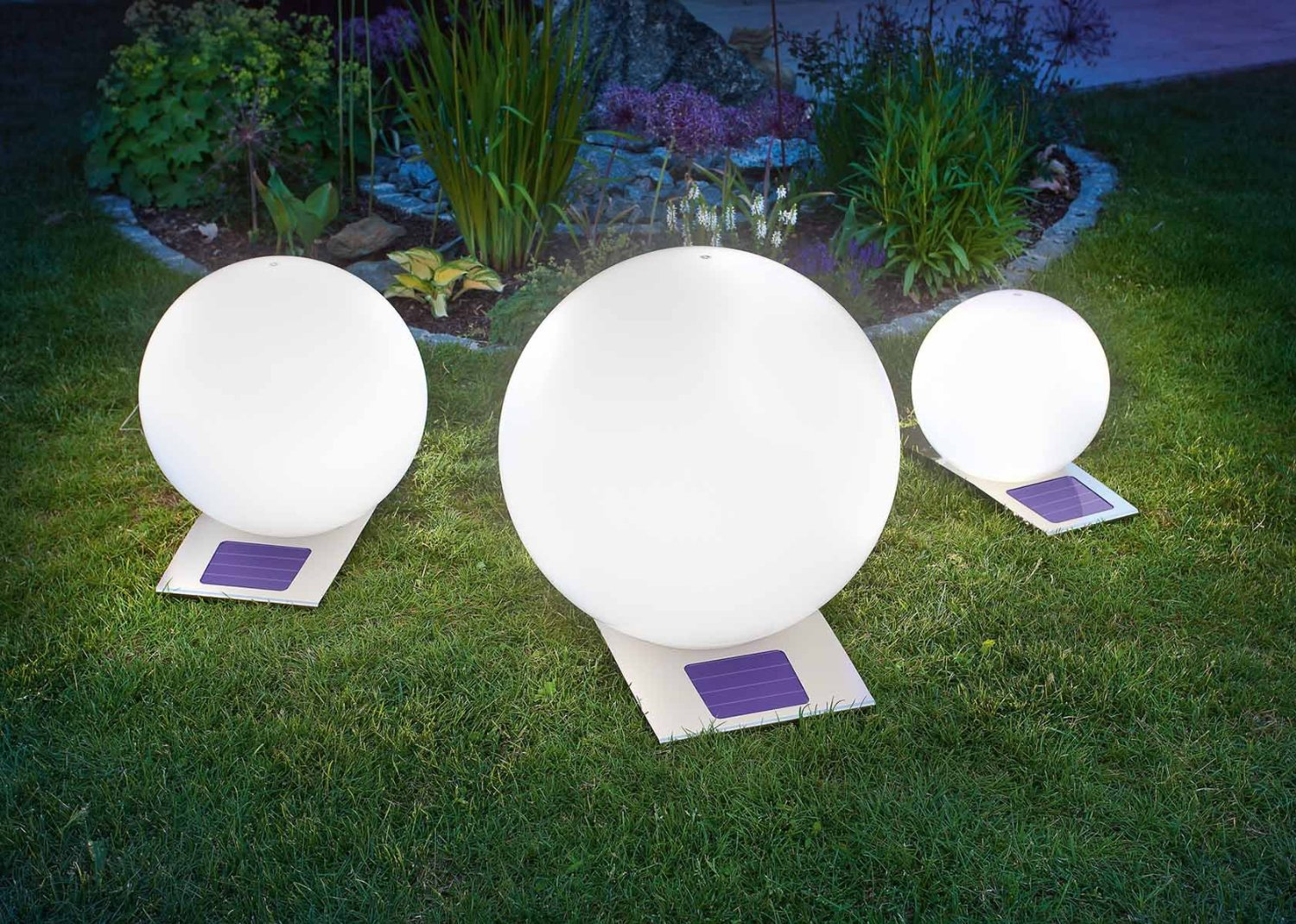 Illuminer son jardin gr ce la technologie led loisir Lumiere led jardin