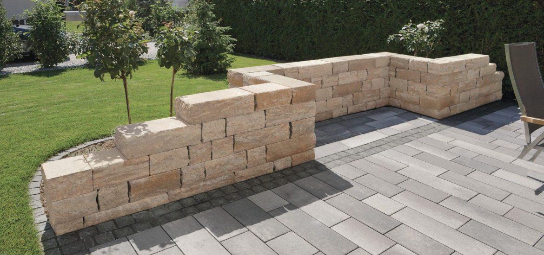 Un-parterre-en-beton-pour-decorer-votre-jardin.jpg